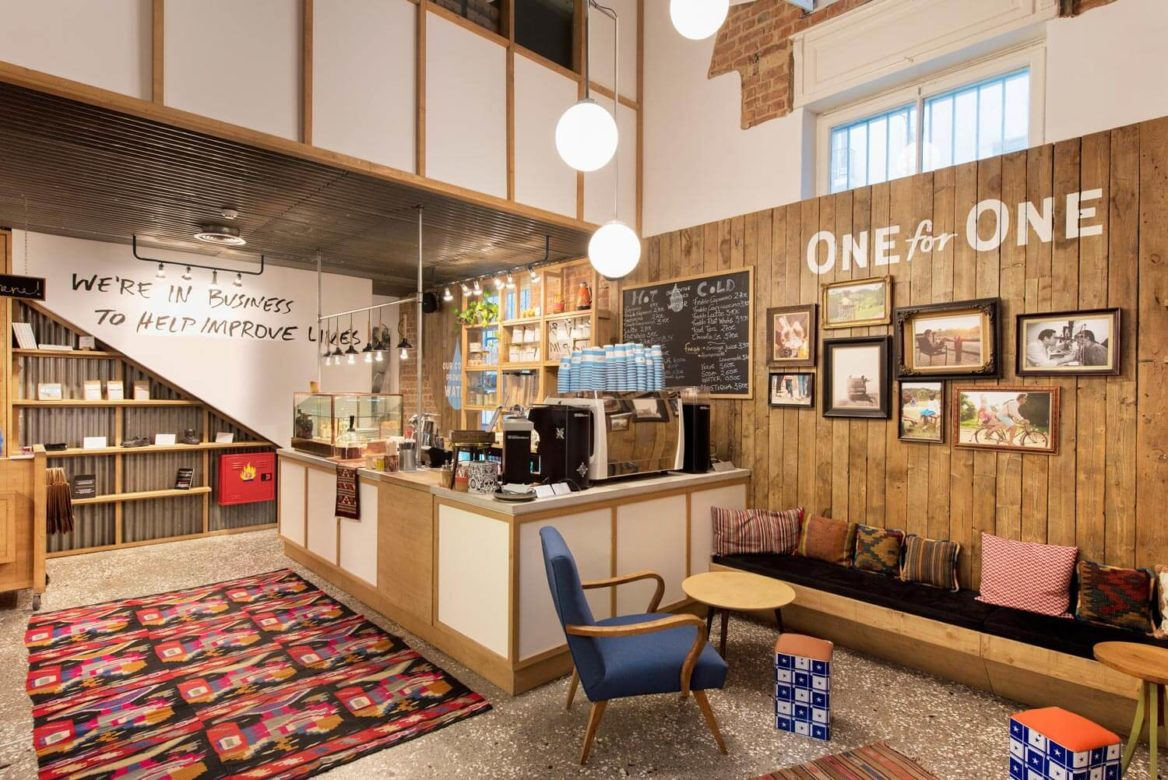 thessaloniki-toms-flagship-store-cafe-13